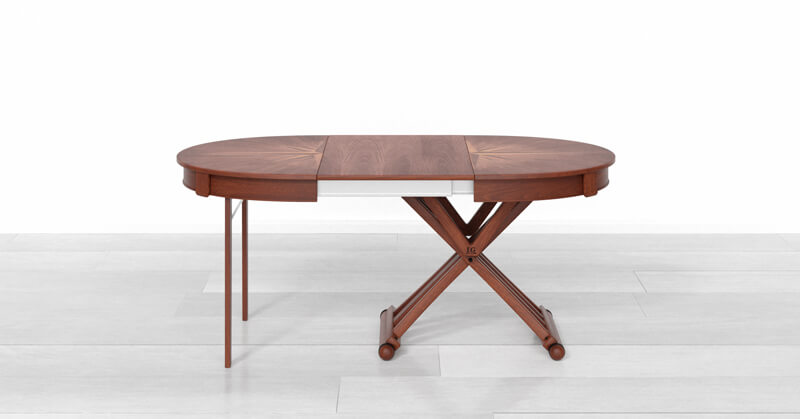Round extendable dining table open with 1 extension